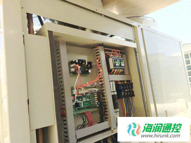 海润通控带电子膨胀阀风冷模块机通用控制器安装完成